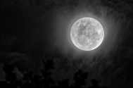 cloudy-supermoon