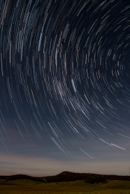 snowy-mountains-startrails-2